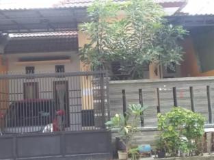 Rumah disewakan/kontrak Surabaya
