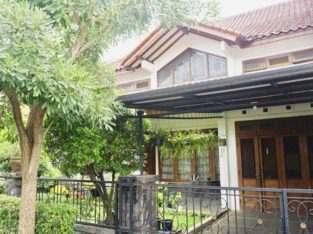 Disewakan rumah baru semi furnished di Kompleks Pejaten