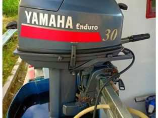 Speed boat fiber +mesin yamaha 30 pk