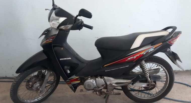 Sepeda Motor Honda Supra Fit Tahun 2006 Surabaya T