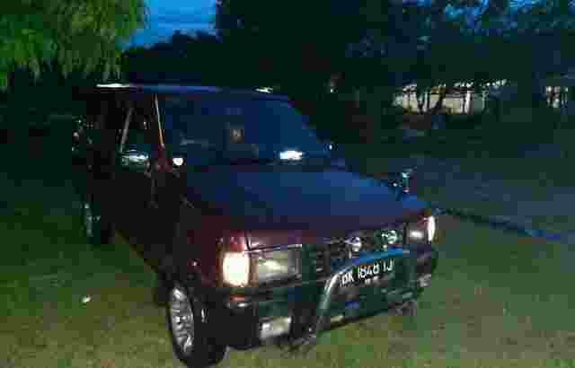 mobil isuzu phanter grand royal 1996