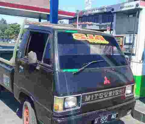 Mitsubishi pick up mesin bensin surat baru Joss siap pakai wa 087765539353