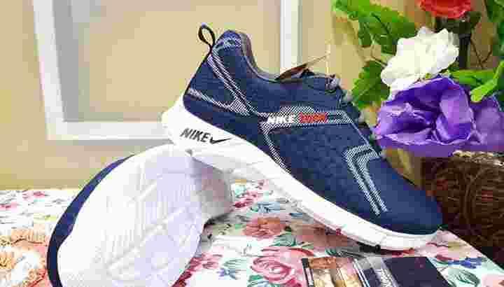 Sepatu sporty