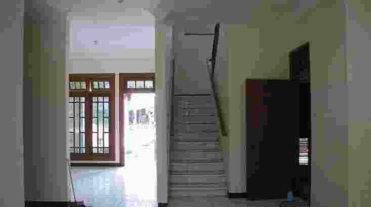 Rumah Disewakan Pakuwon Indah, Villa Bukit Indah –