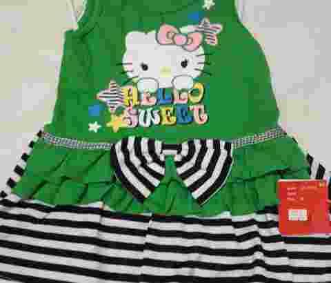 Gaun anak umur 3 thn beli 3 pcs @100.000 no.wa.081378713287
