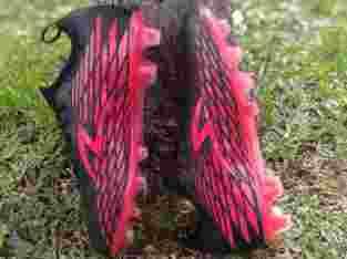 Sepatu bola specs swervo venero