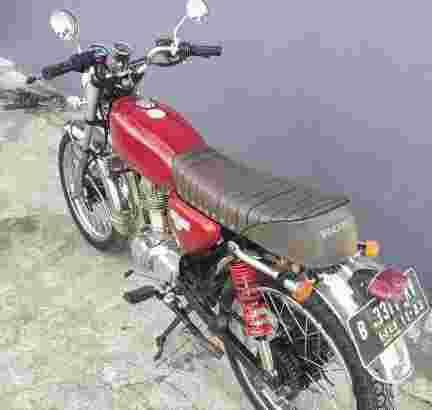 HRD PUNYA motor custom CB100 GL125 tahun 1980