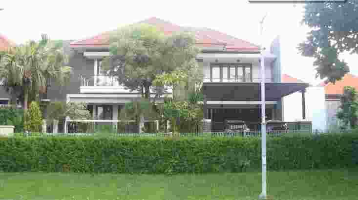 Graha Famili Surabaya – Timeless Luxury