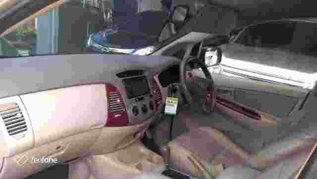 Innova G Matic 2004