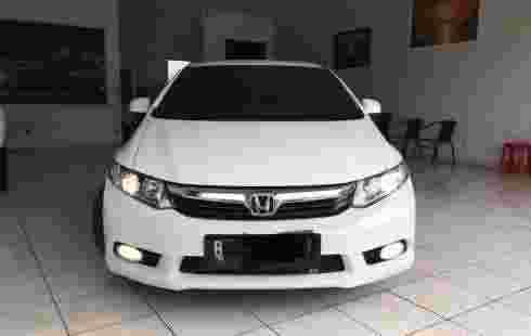 Honda Civic 1.6 Automatic 2013