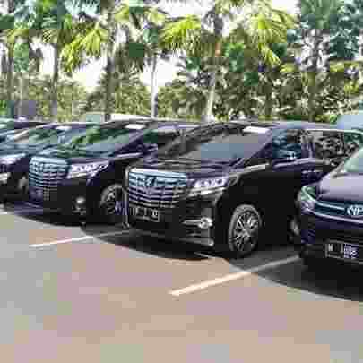 Sewa mobil driver surabaya   sewa mobil murah surabaya   Rental mobil wisata   Mega Transindo