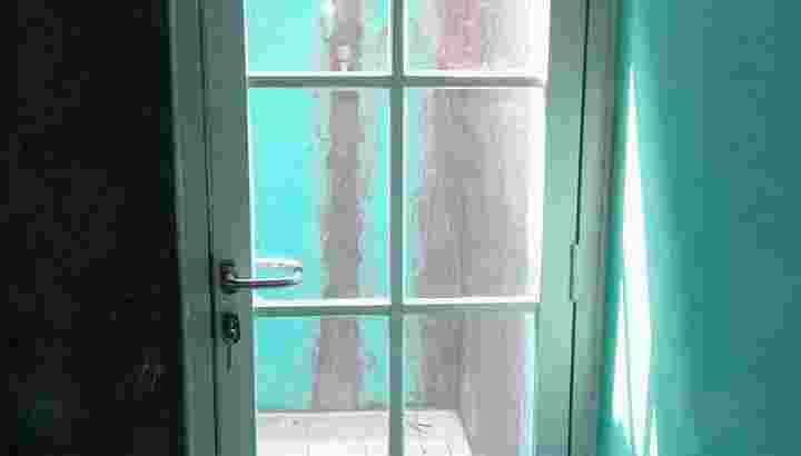 Jasa pasang pintu dan jendela almunium