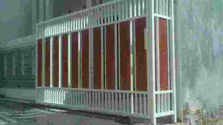 pagar lipat motif woodplank