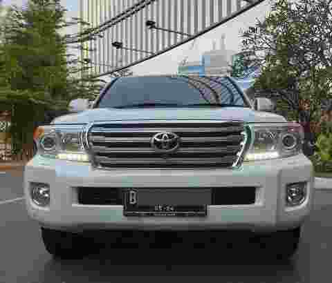 Land Cruiser V8 4.5 2014