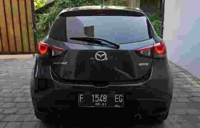 Mazda 2 R Skyactiv 2015