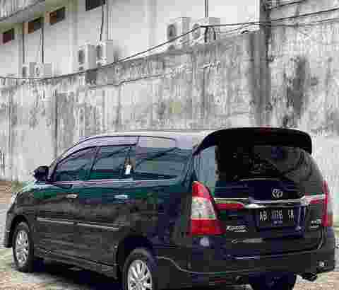 Innova V Luxury Matic Bensin 2014
