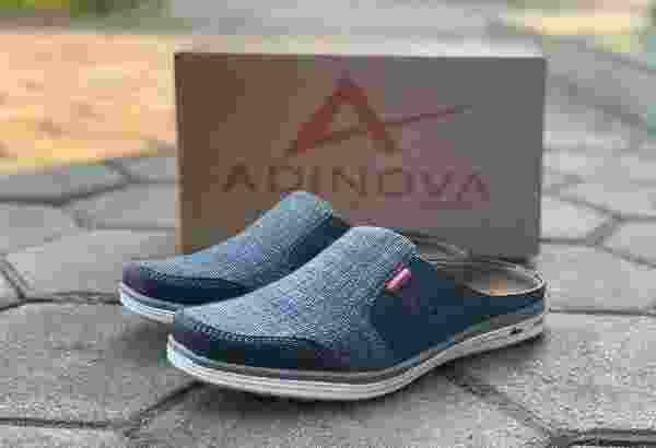 Sepatu kasual AD205