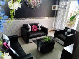 Pindahan rumah, sofa Black/White minimalis 98% mulus, spt br, no minus, no cacat, harga 1.9 (SIDOARJO)