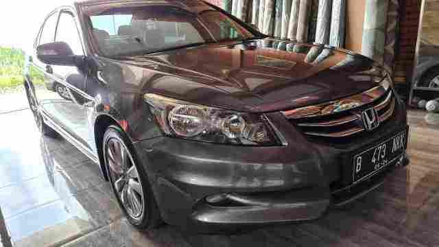 Accord VTIL Matic 2012 Istimewa