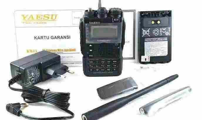 YAESU VX-8DR HT TRIPLE BAND ORI NEW GARANSI 1 TAHUN RADIO VX8DR.ORIGINAL.