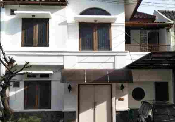 Rumah Murah 2 Lantai di Tamansari Persada