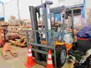 Forklift Diesel 3 Ton Ambarawa